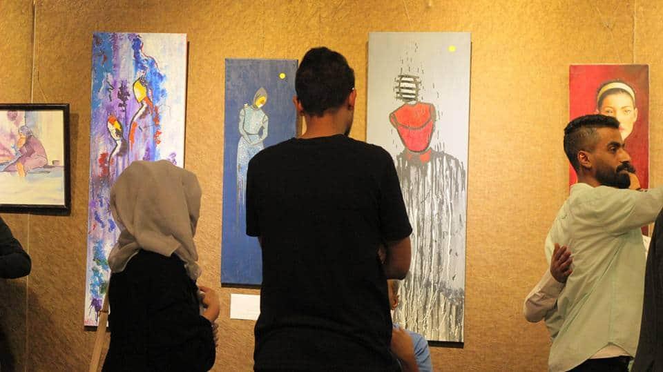 معرض رسم على هامش فعالية طريق تصنعه النساء في مؤسسة بيسمنت الثقافية في صنعاء