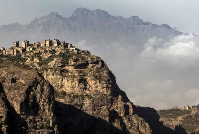 «الحطيب».. القرية التي تسامت فوق السحب فمنع عنها القطر