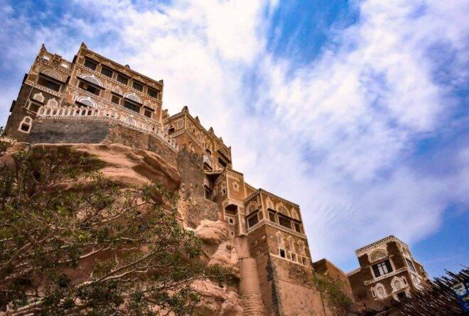 أهم 5 وجهات سياحية داخلية لشباب صنعاء