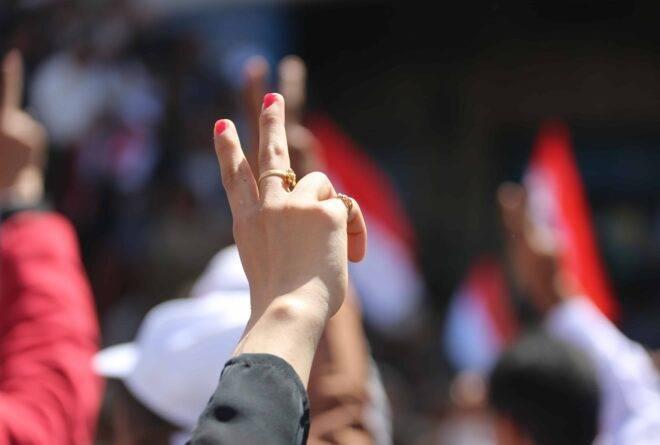 ثمانية أمور تسببت بإقصاء الشباب من مشاورات السلام!