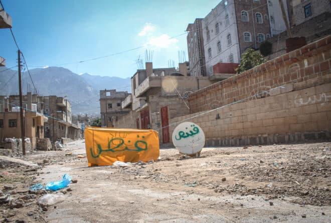 حوبان تعز.. شريان يوقف نبض الحياة بالمدينة المكتظة بالسكان
