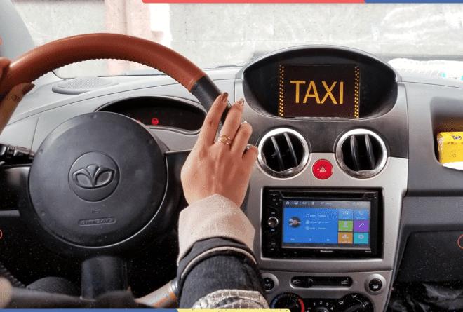 قيادة التاكسي.. اقتحام جديد من يمنيات لمهنة احتكرها الرجال